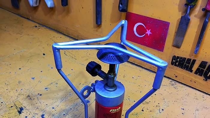 5549f319ecbf44816b0b7935de3215d2 - Как сделать компактную плитку под газовый баллончик