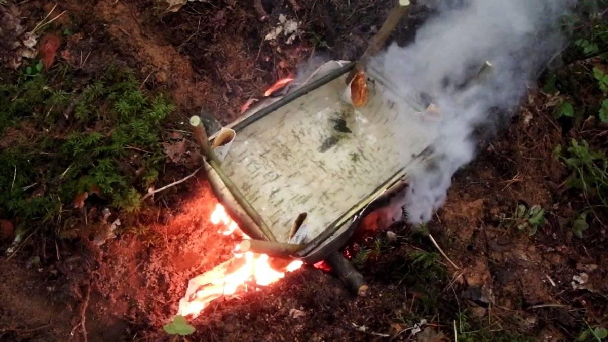 e4a972adb332a0d88011dc2c13c8bff8 - Как очистить и обеззаразить воду в лесу при отсутствии котелка или фляги
