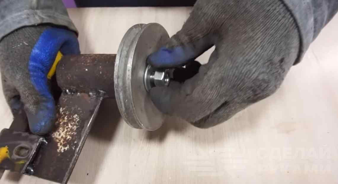 Лобзиковый станок на базе электродвигателя от стиралки