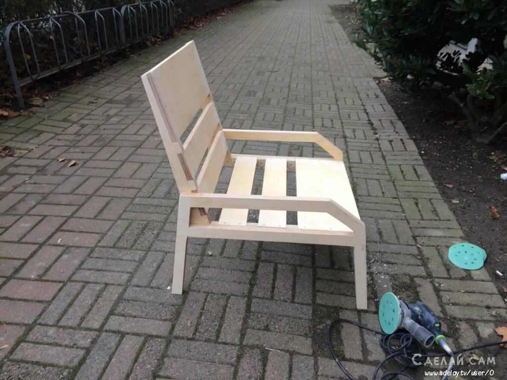 Крутое садовое кресло из многослойной фанеры