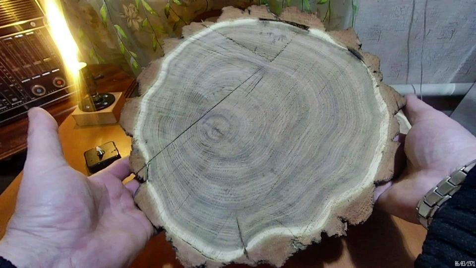 Настенные Часы из спила дерева.