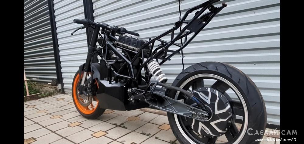 Конверсия бензинового мотоцикла KTM RC на электротягу
